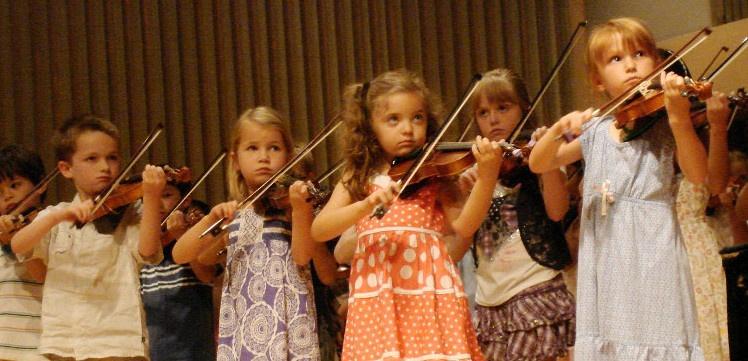 ninos tocando el violin-Stilfehler